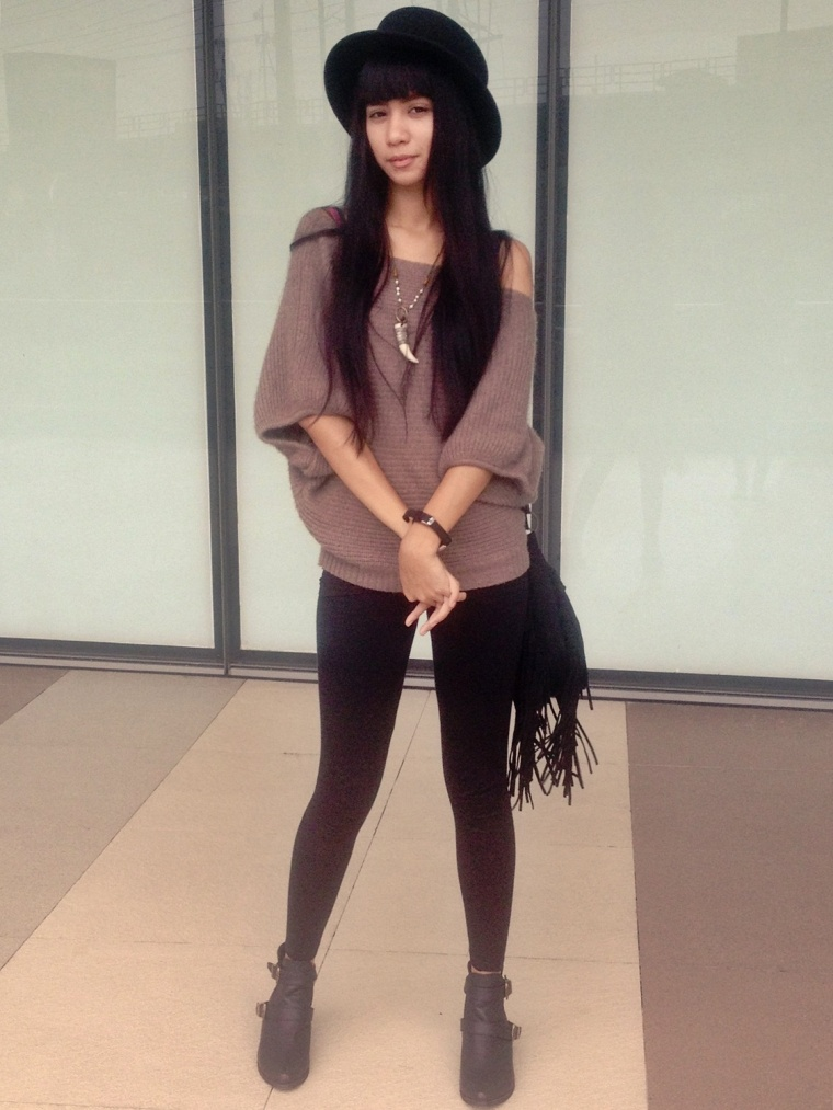 URBAN-OOTD-HAT-FRINGE-BOOTS-01