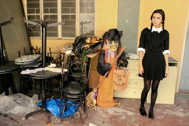 how to make wednesday addams halloween costume