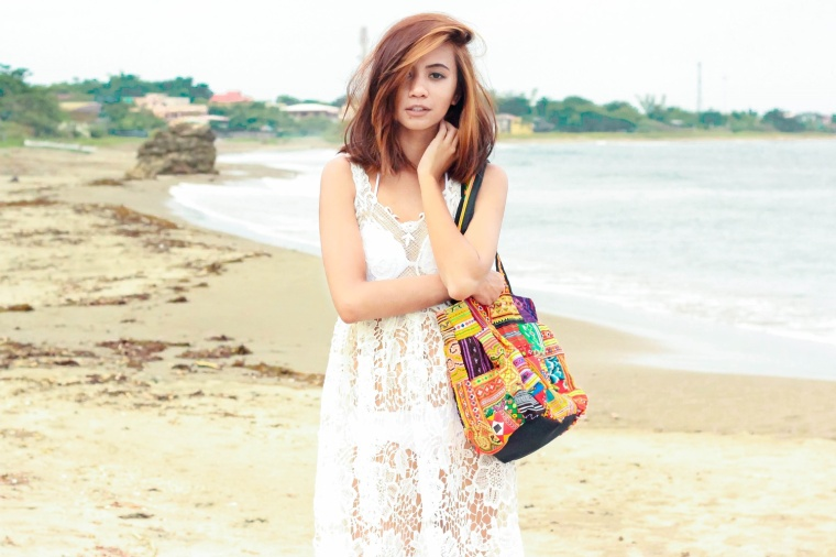 OFFBEAT-CUTS-WOVEN-BOHO-BAG-CROCHET-DRESS-BOHEMIAN-FASHION-BLOGGER-LYNDSAY-PICARDAL-01