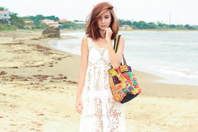 OFFBEAT-CUTS-WOVEN-BOHO-BAG-CROCHET-DRESS-BOHEMIAN-FASHION-BLOGGER-LYNDSAY-PICARDAL-04