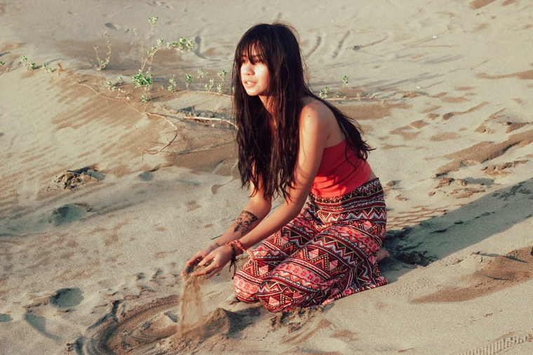 ilocos-sand-dunes-filipina-boho-fashion-blogger-lyndsay-picardal-pitusa-pepperink-tattoo-17